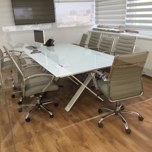 שולחן ישיבות זכוכית דגם wix
